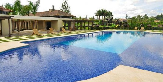 Incredible 2/3-Acre Lot for Sale in Monterán Golf Community, Curridabat