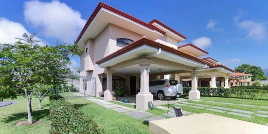 Condominium El Nogal, Cartago, Gorgeous House for Sale