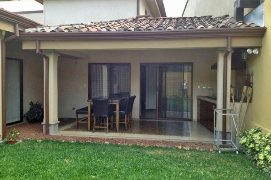 Mostly One-Story House for Sale in Lovely Condominium with Pool, Santa Ana