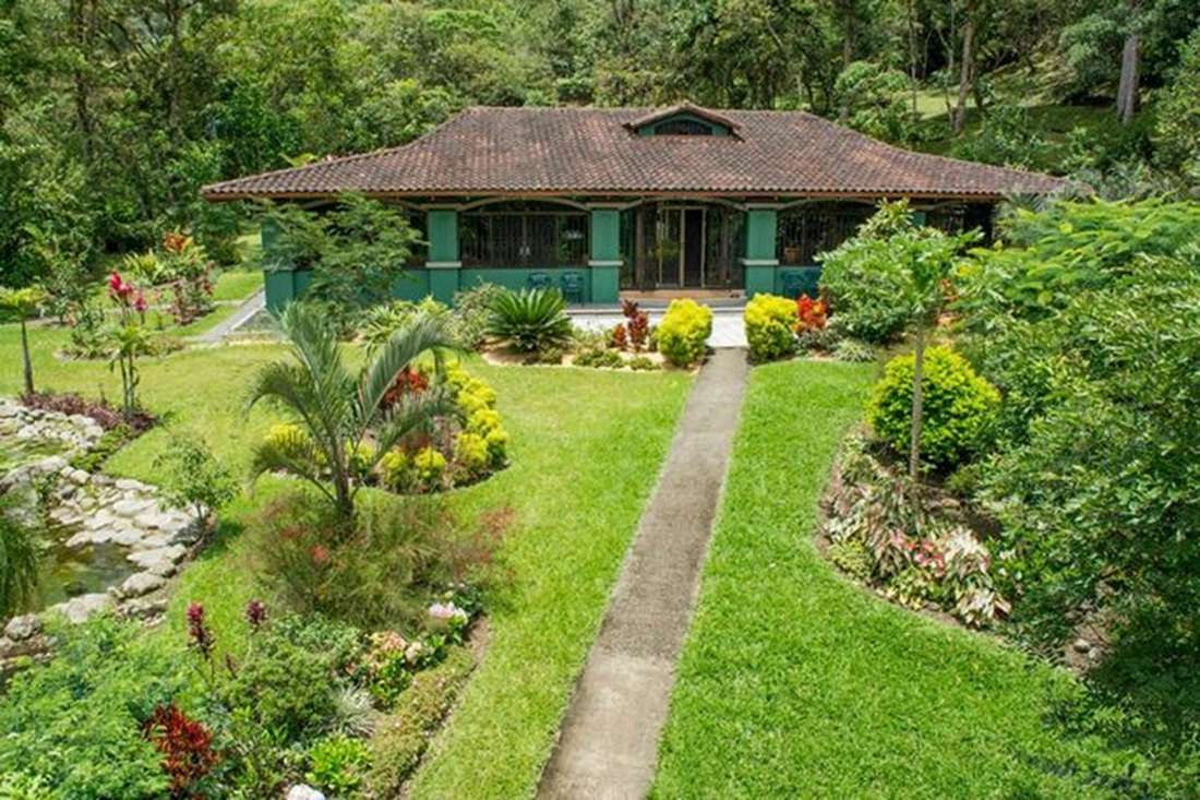 Orosi Valley, Cartago, Mountain Retreat Home with 26 Acres for Sale