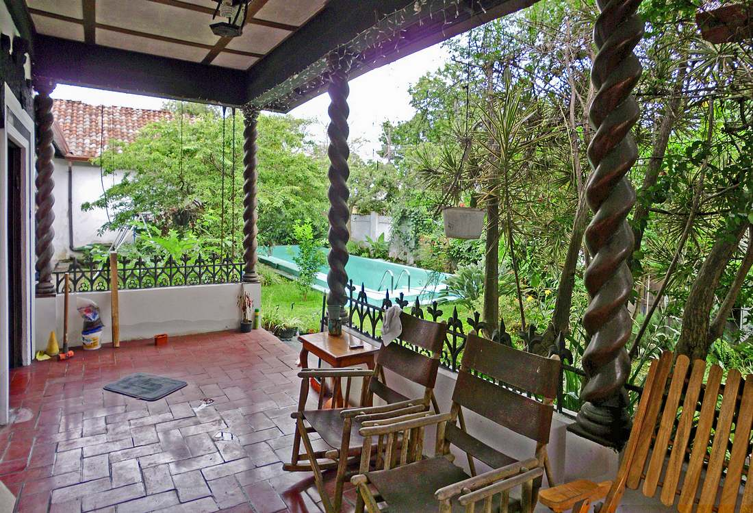7500-ft2 Spanish Colonial Home with 5 BRs for Sale near Walmart, Guadalupe