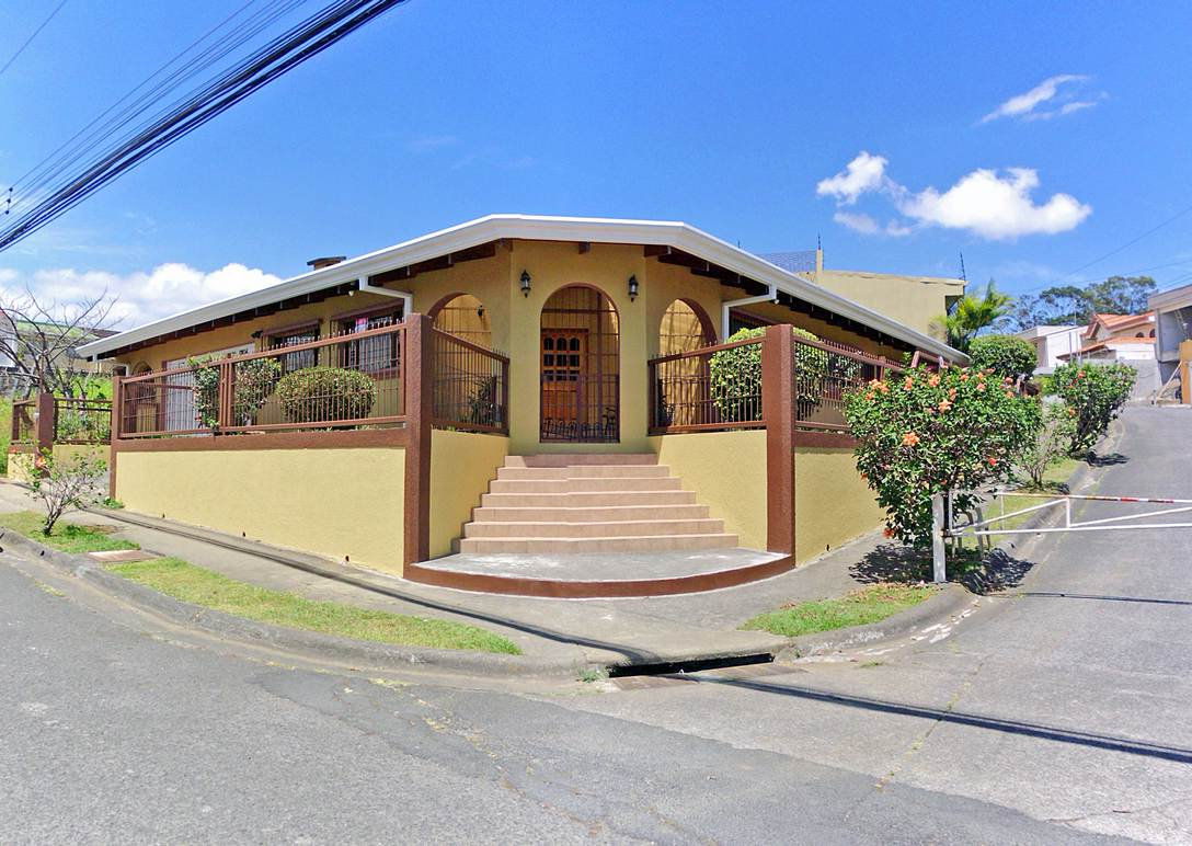 One-Story Corner House with Apartment for Sale, Freses, Curridabat