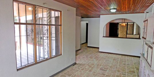One-Story, Corner House for Rent in Lomas del Sol, Curridabat