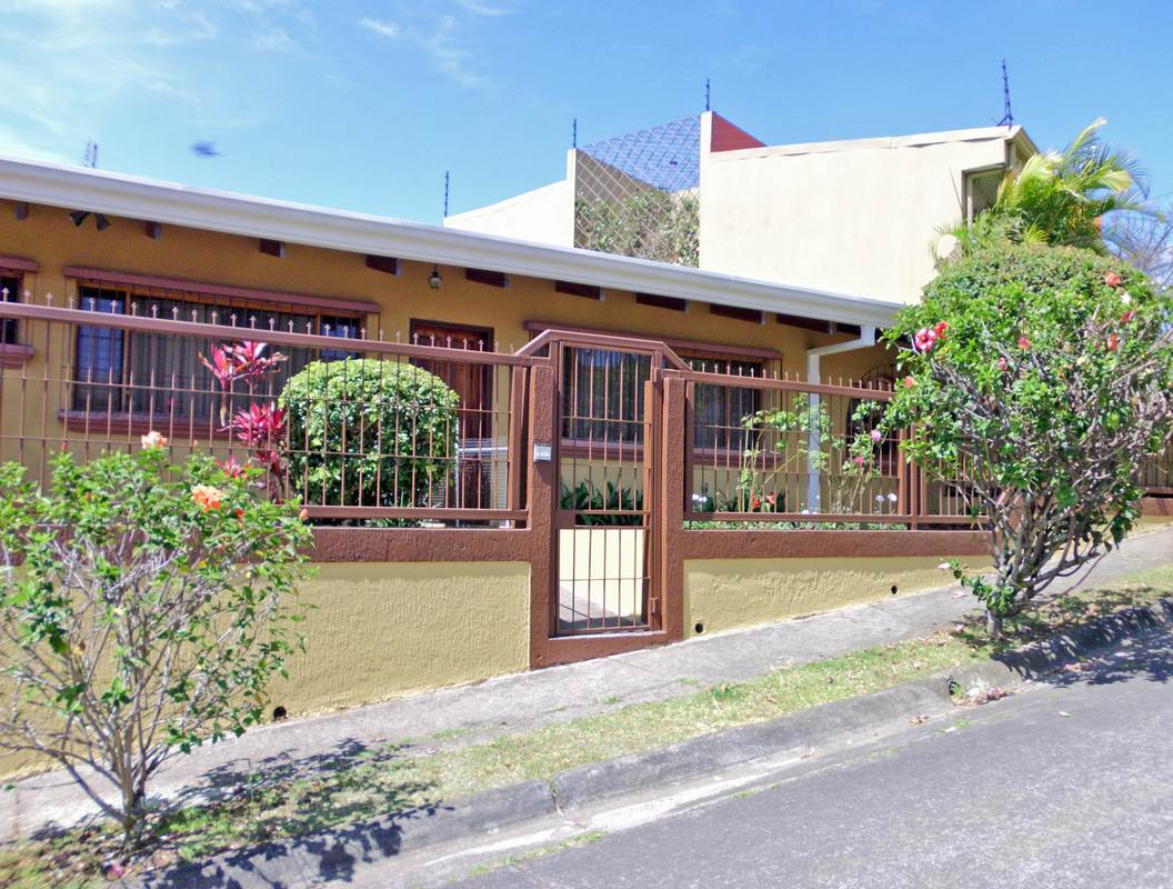 1-BR Apartment for Rent in Excellent Area of Freses, Curridabat – US$600 per month