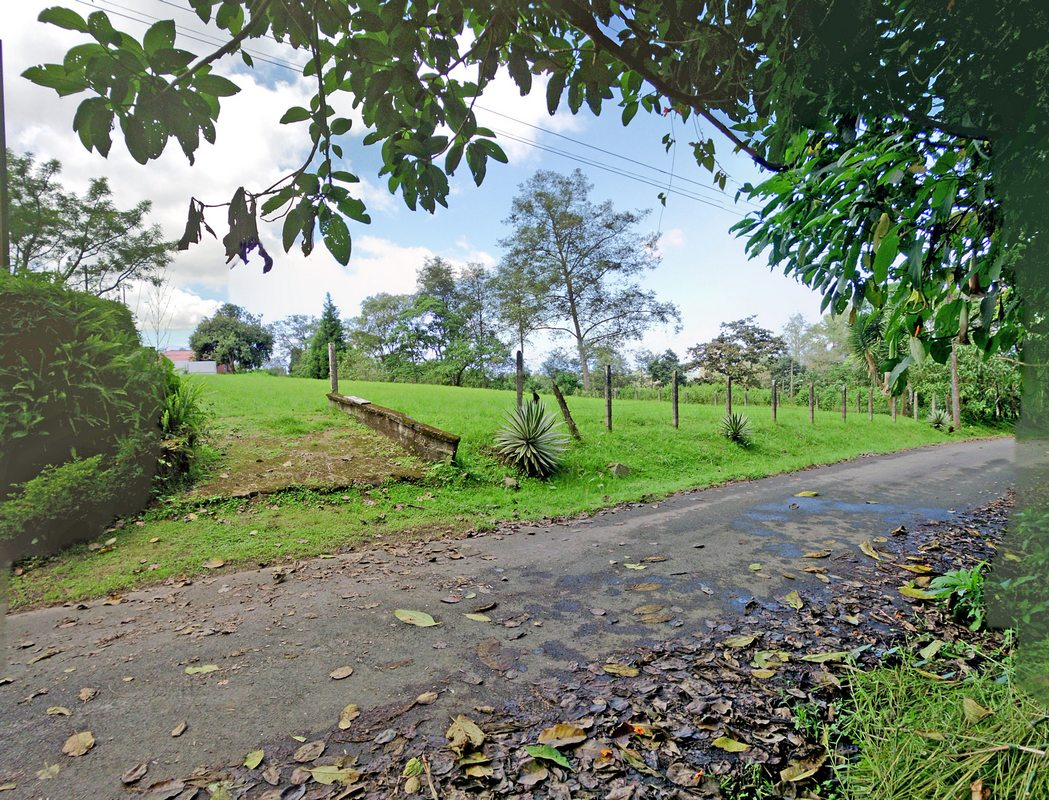 REDUCED! San Ramon de Tres Rios, 0.4-Acre Lot for Sale in Lovely Mountain Setting