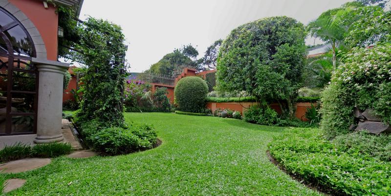 Pinares, Curridabat, Venta de Casa de 450 m2 con Lote de 820 m2