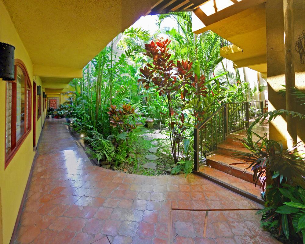 Fantastic 16-Unit Apartment Building for Sale, San Pedro, Close to Everything