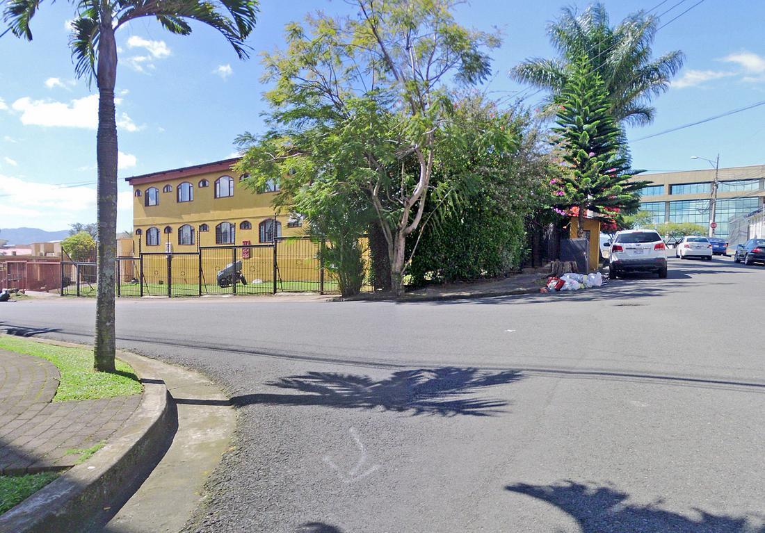 GRAN REBAJA! Venta de Edificio de Apartamentos con 16 Unidades, San Pedro, Cerca de Todo