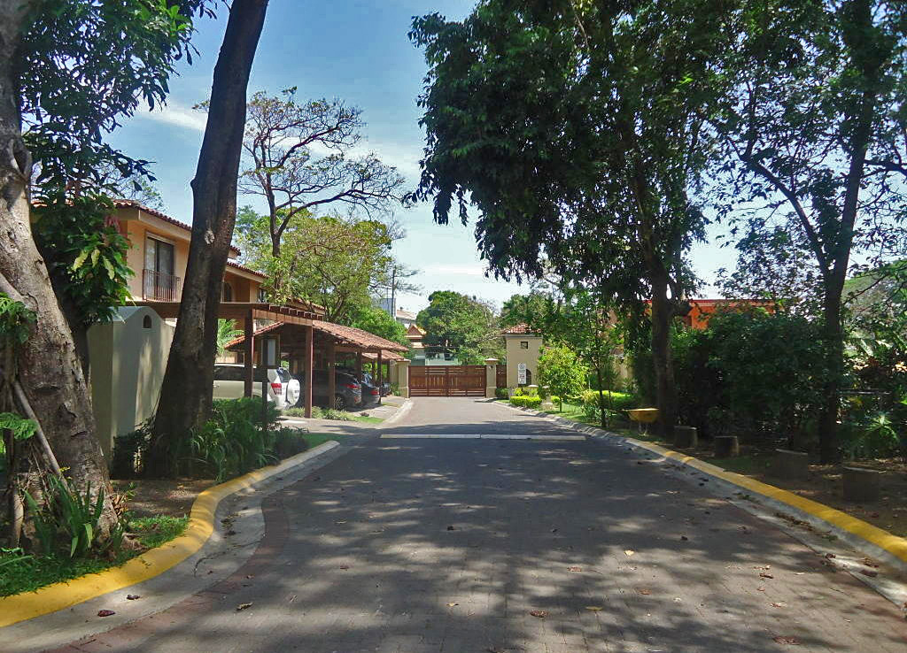 $185000, GANGA, Casa en Condo Hacienda Los Maderos, Brasil-Santa Ana