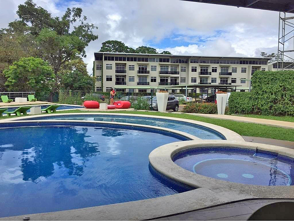 Penthouse Apartment for Sale in Gated Community River Park, Santa Ana