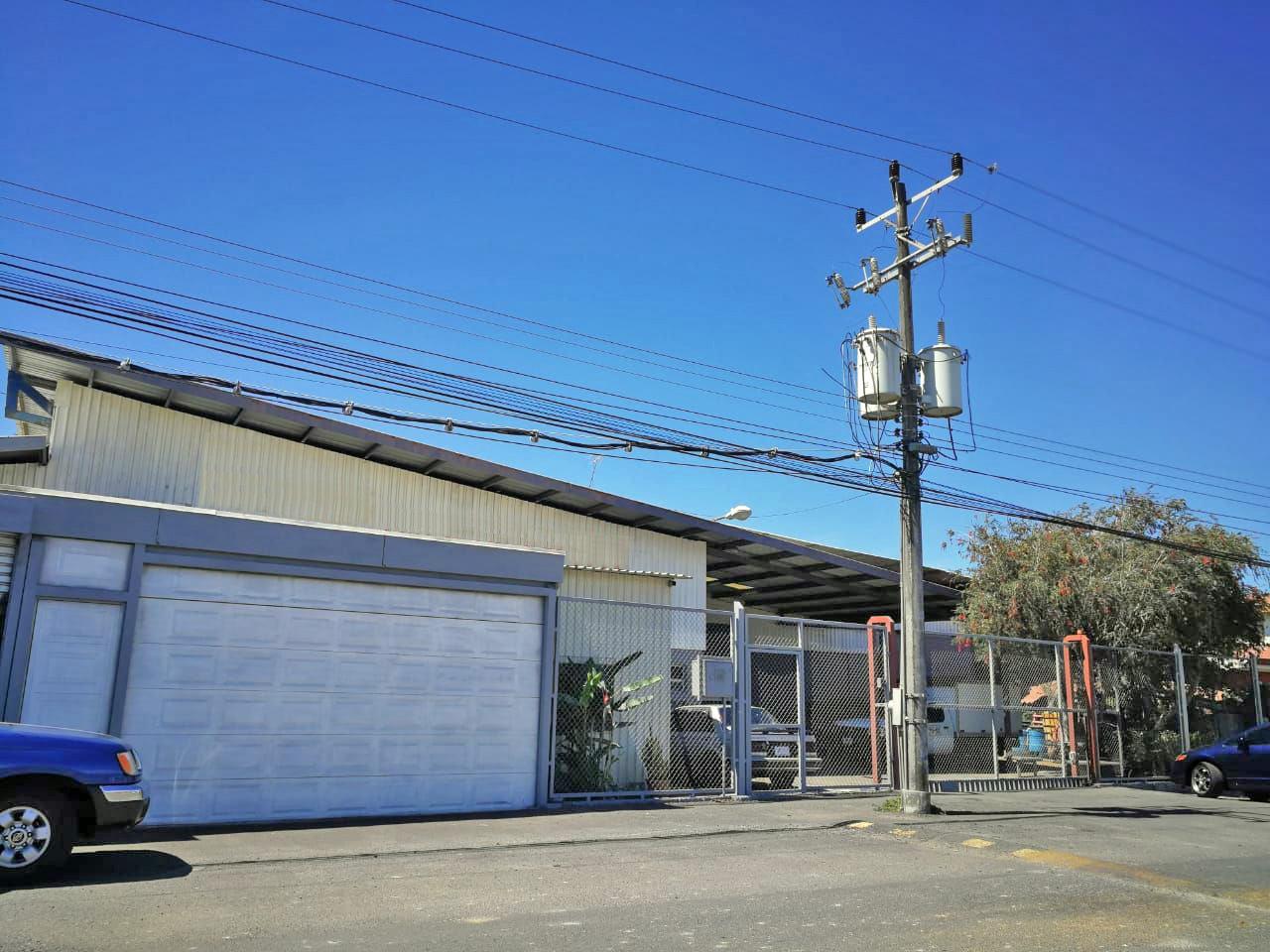 Cartago, Cerca de la Autopista, Venta de Bodega Industrial de 800 m2