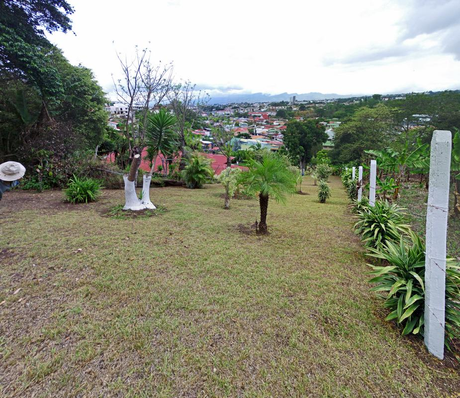 807-m2 Building Lot with View in Safe Neighborhood, La Colina, Curridabat