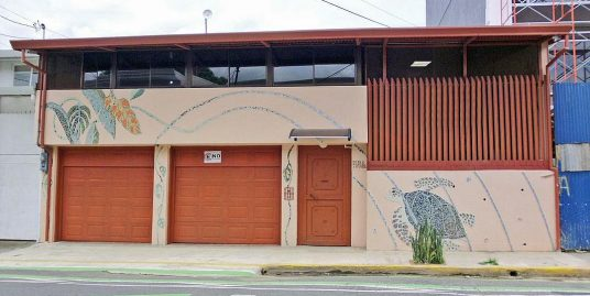 4200-ft2 House-Office for Sale, Ideal for Restaurant, in Barrio Escalante