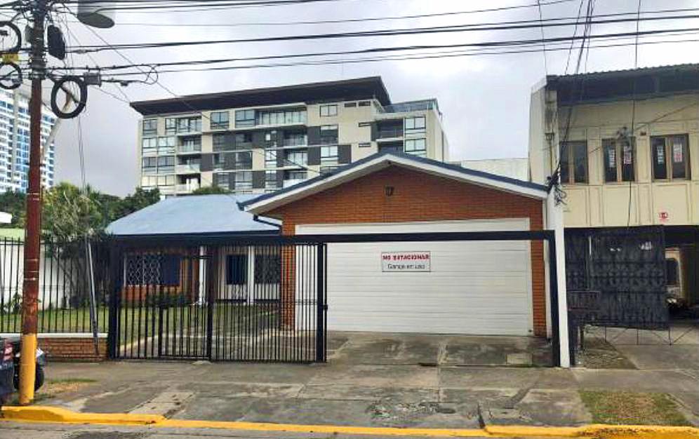 Venta de Edificio Comercial de 588 m2, Barrio Dent, San Pedro