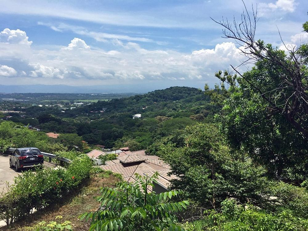 View Lot of One-Third-Acre for Sale in Cerro Colon with Pool, Tennis – US$99000 (half price)