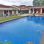 House with Pool for Sale in Los Reyes