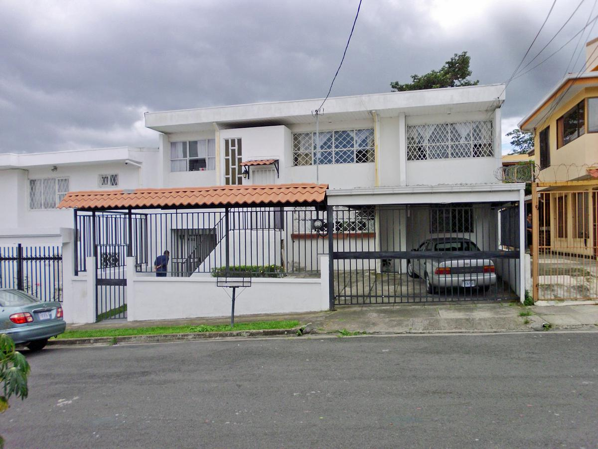Furnished 2500-ft2 House with Rental Apartment for Sale, San Pedro