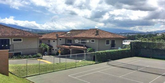 Townhouse for Sale, 3 BRs plus office, swimming pool, tennis, Guachipelin, Escazu