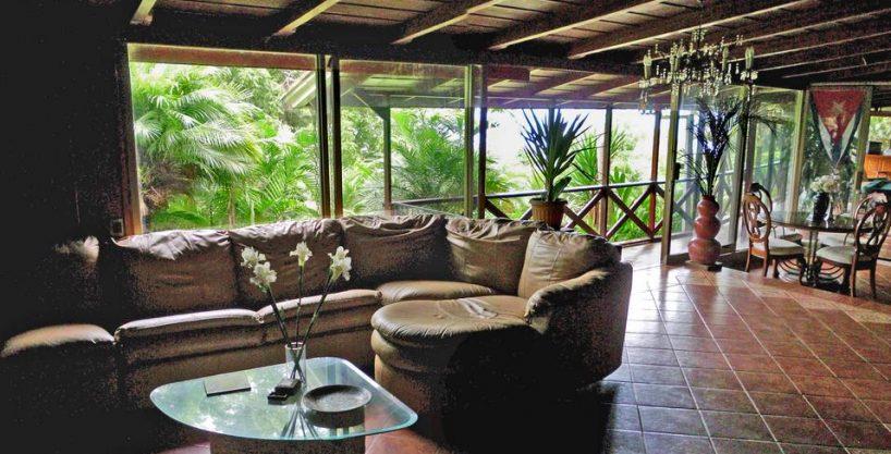 San Ramon de Tres Rios, Venta de Villa con Casa, 3 Apartamentos, 1800 m2 de Terreno