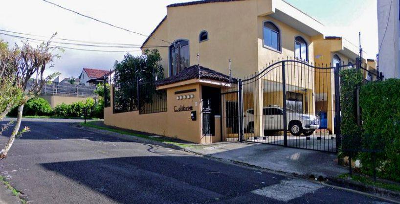 Pinares, Curridabat, Venta de Casa en Condominio, USD$189000, GANGA