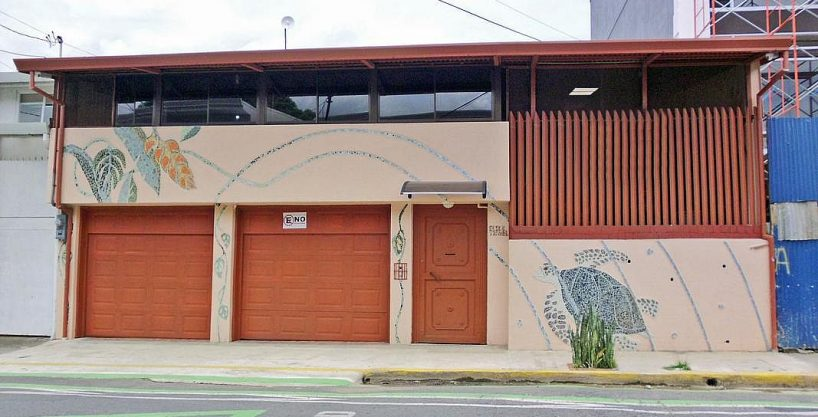 REDUCED! 4200-ft2 House-Office for Sale, Ideal for Restaurant, in Barrio Escalante