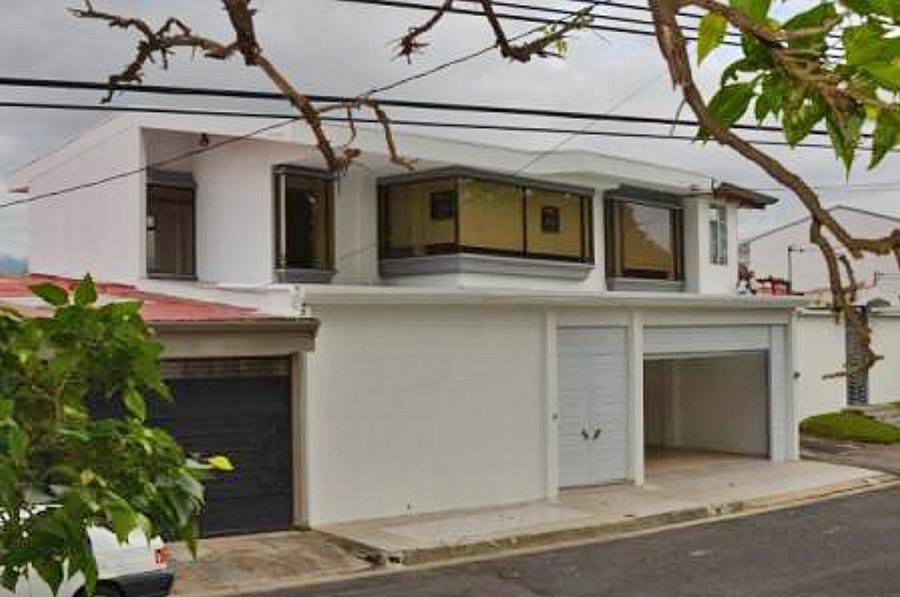 Alquiler de Linda Casa de 280 m2 Frente del Parque, Freses, Curridabat