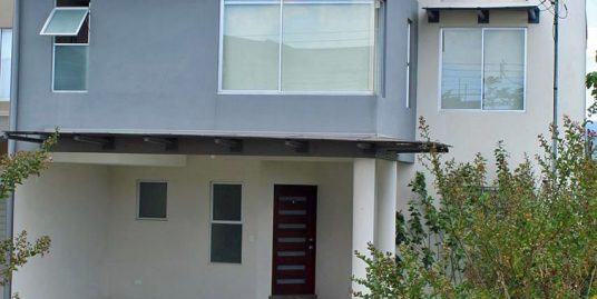 Beautiful 2400-ft2 House for Sale, 4 BRs, Barlovento Gated Community, Curridabat