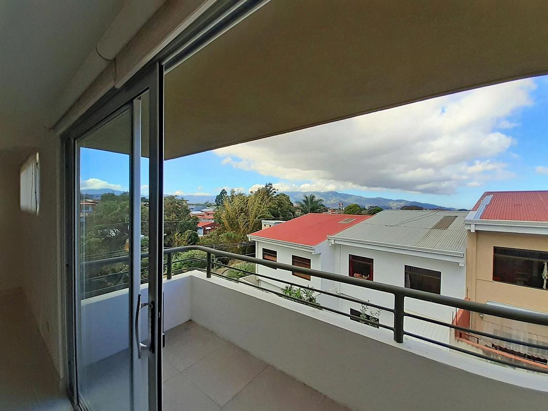 Venta de Lindo Apartamento de 130 m2, 3 Hab, Condo Terrazas del Este, Sabanilla