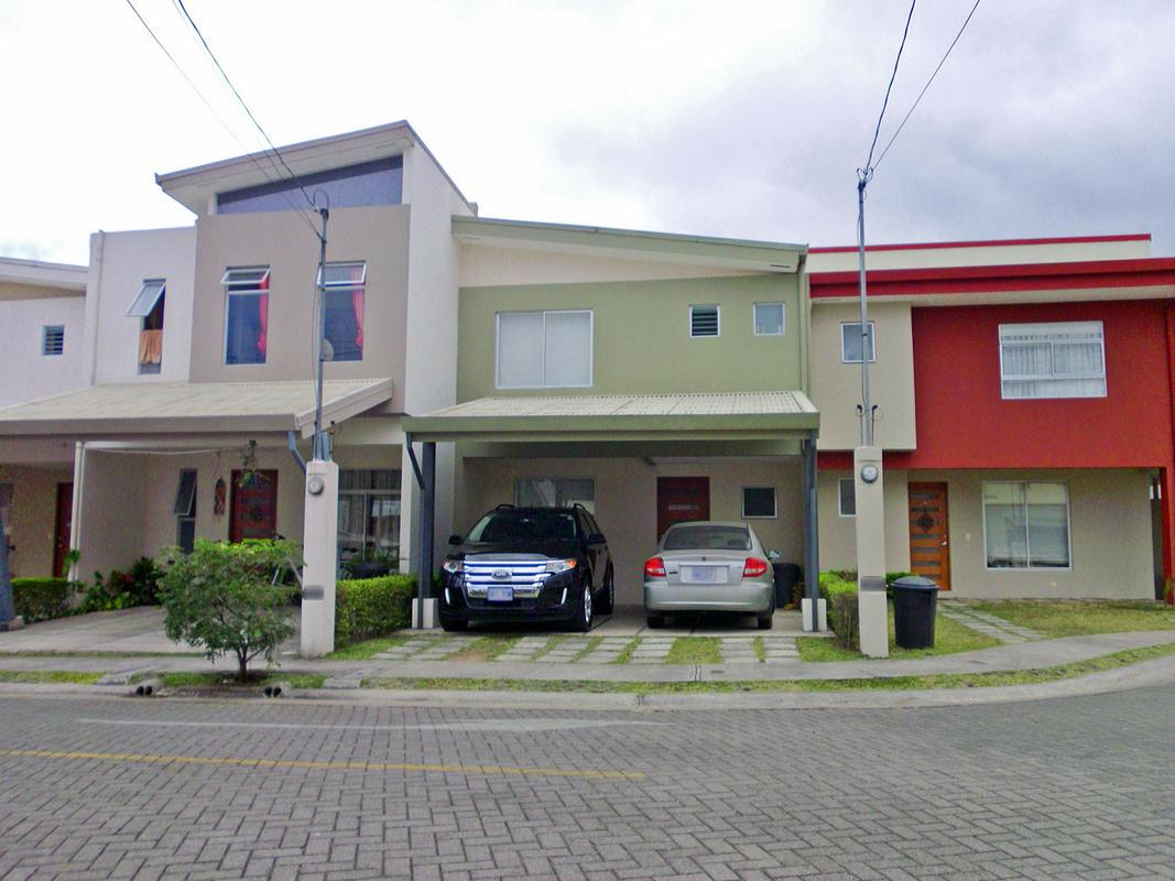 Townhouse for Rent, Pool, Gym, Condo Barlovento, Curridabat