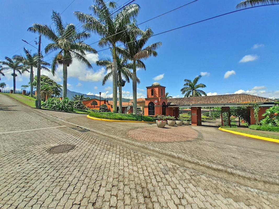 Quarter-Acre Lot for Sale, Condo Roble Sabana, Colinas de Montealegre, Curridabat