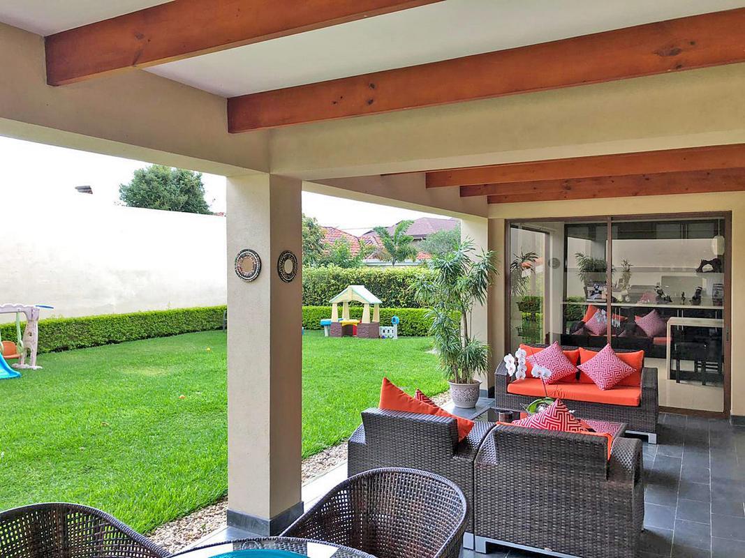 Venta de Lujosa Casa de 377 m2 en Exclusivo Condo Bosques de Altamonte, Curridabat