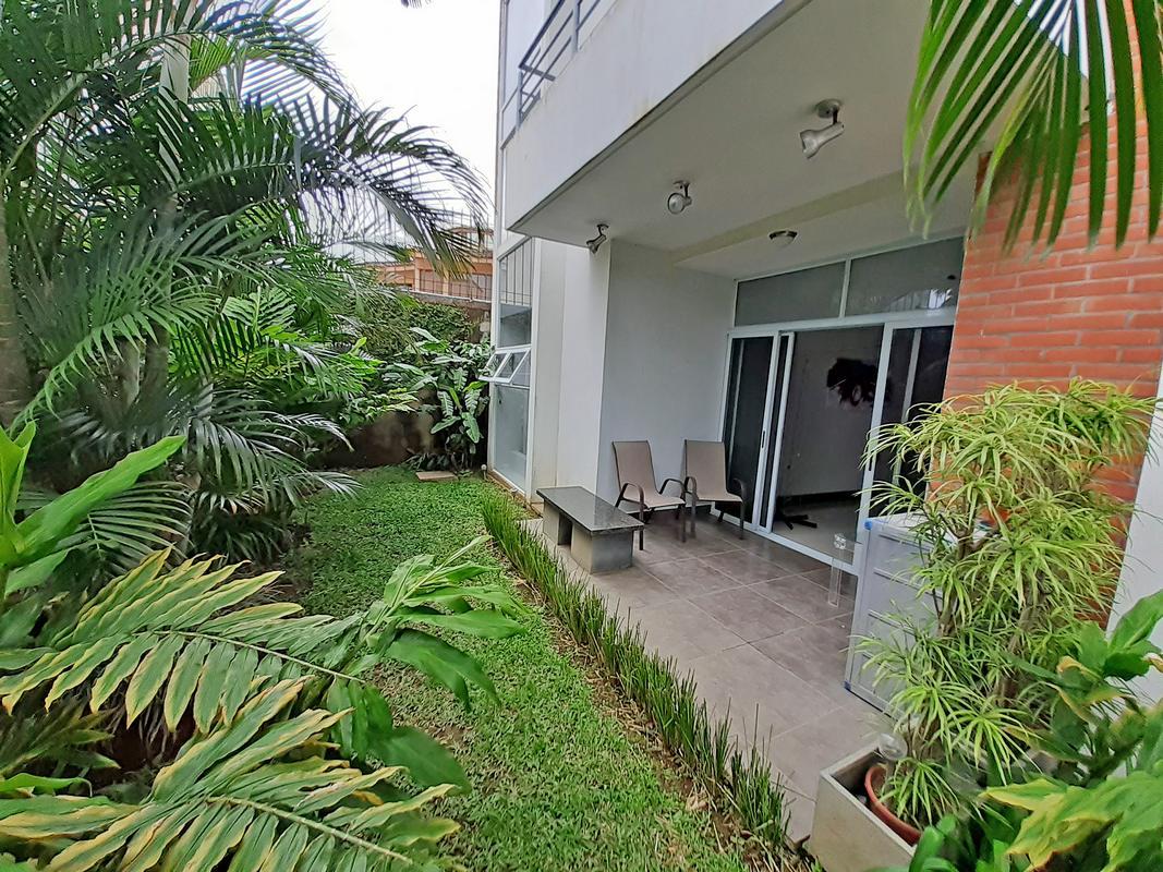 Alquiler de Apartamento Contemporaneo de 95 m2, Primer Piso, Condo Veranda, Curridabat