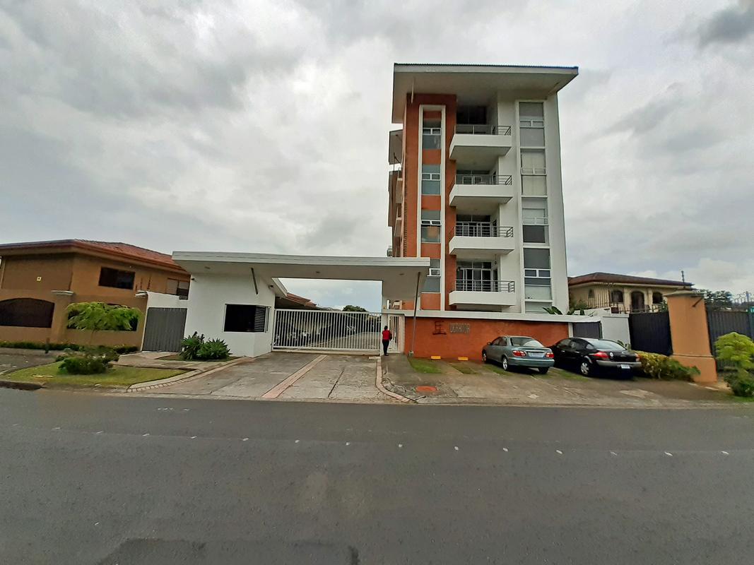 Contemporary 1,000-ft2 Apartment for Sale, 1st Floor, Condo Veranda, Curridabat