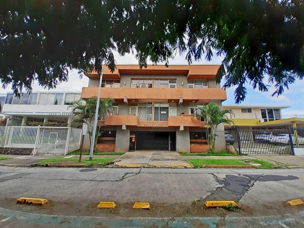 Venta (o Alquiler) de Apartamento, 119 m2, 2 Hab, Condo Boulevard, Barrio Dent, San Pedro