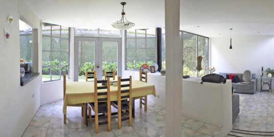 2600-ft2 House for Sale with 4 BRs, El Molino, Cartago