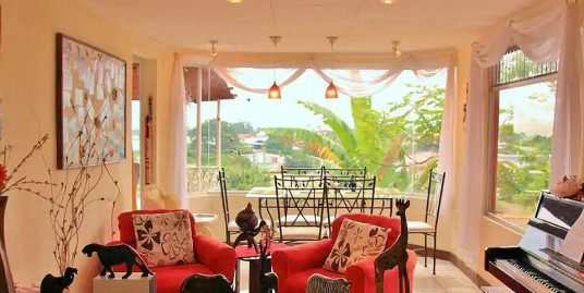 Opportunity!  2100-ft2 House with View for Rent, La Colina, Curridabat – USD$950!