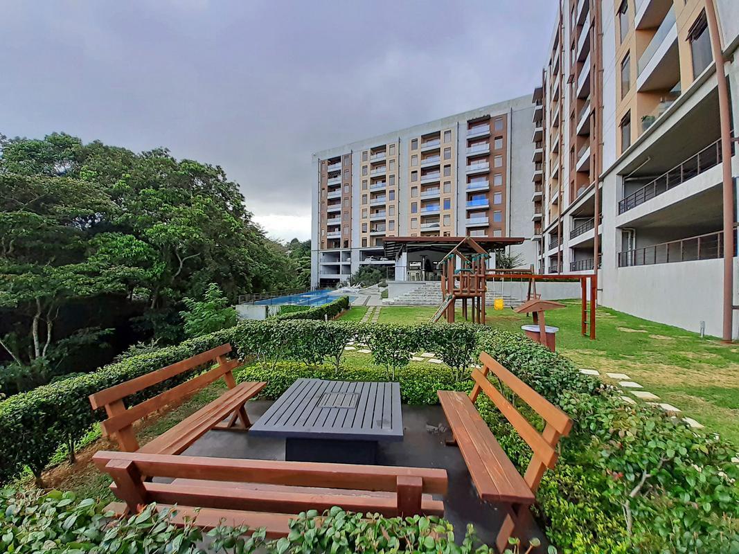 Alquiler de Apartamento, 90 m2, 3 Habitaciones, Vista, Condominio Abitu, Curridabat