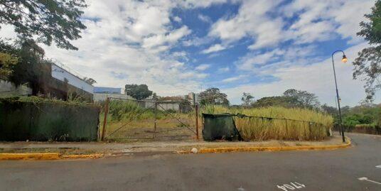 Quarter-Acre Lot for Sale Ideal for Condo Tower, Barrio Otoya, Downtown San José