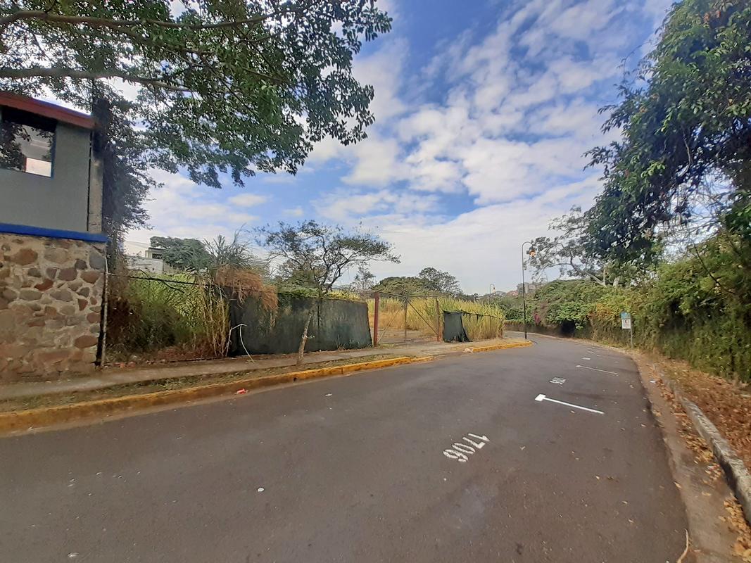 Venta de Lote de 1145 m2 Ideal para Torre de Condominios, Barrio Otoya; San José centro