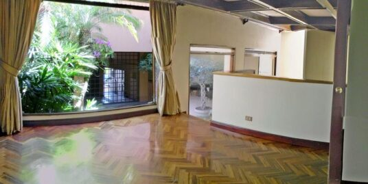 BARGAIN! Elegant 5,400-ft2 House Plus Apartment for Sale, Pinares, Curridabat