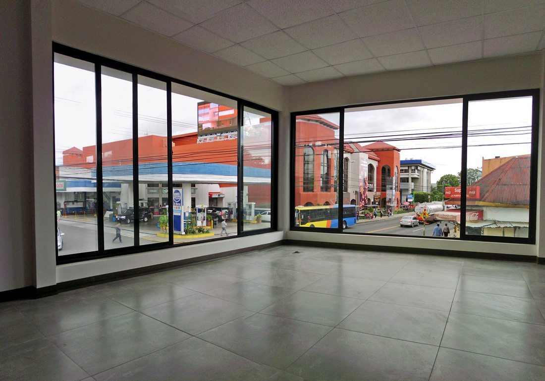 Venta de Edificio Comercial Esquinero de 825 m2, Avenida Central, San Pedro, Montes de Oca
