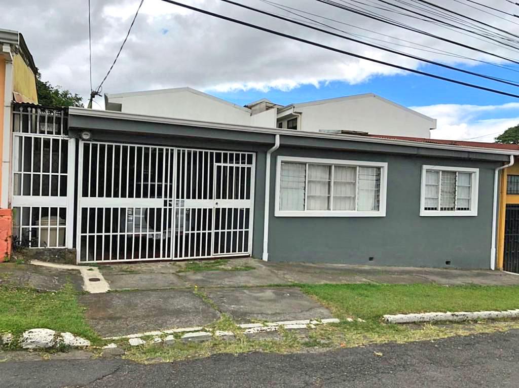 Venta de Casa de 200 m2, Una Sola Planta, 5 Hab, Lourdes, San Pedro – REBAJADO!